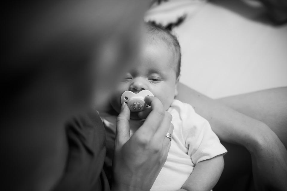 smoczek niemowle
